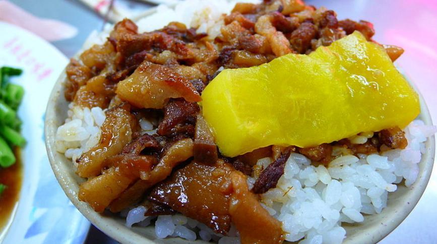 小看魯肉飯的心態,才是台灣講了很多年軟實力卻軟不出個什麼成績的原因
